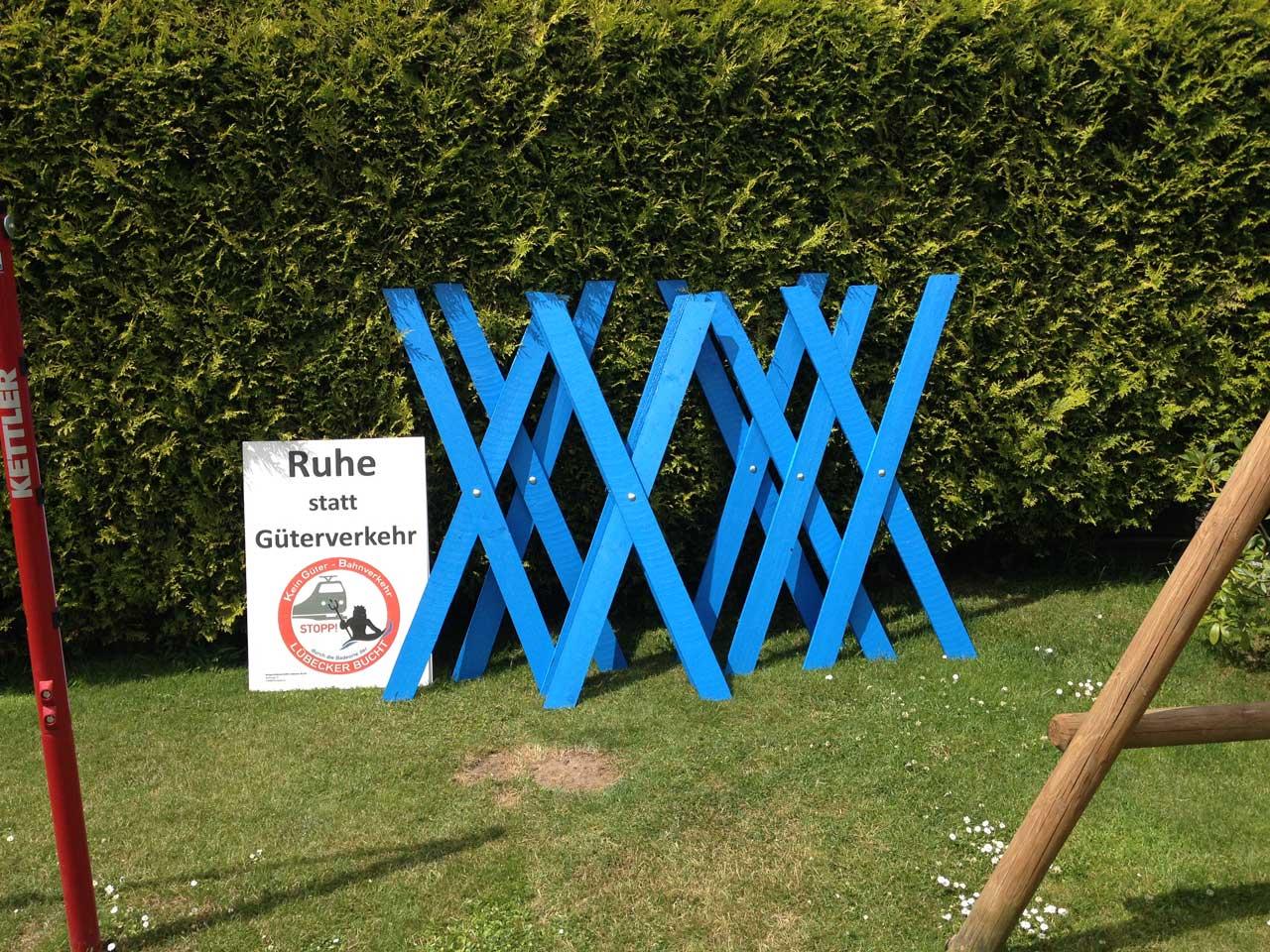 Uberall Blaue Beltretter Kreuze Beltretter